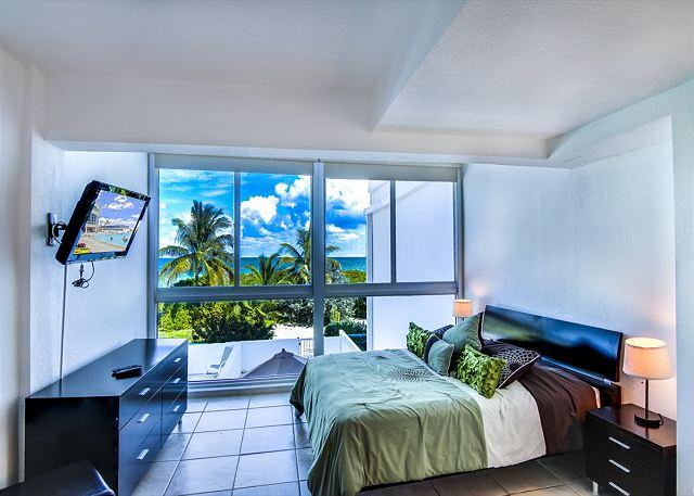 Townhouse for 6 RIGHT ON THE SAND ! - Image 1 - Miami Beach - rentals