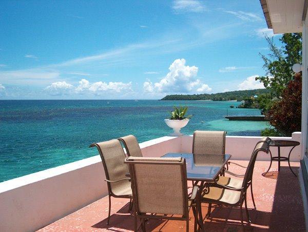 PARADISE PJH -  92722 - SPECTACULAR 4 BED   WATERFRONT VILLA - POOL & GREAT VIEWS - OCHO RIOS - Image 1 - Ocho Rios - rentals