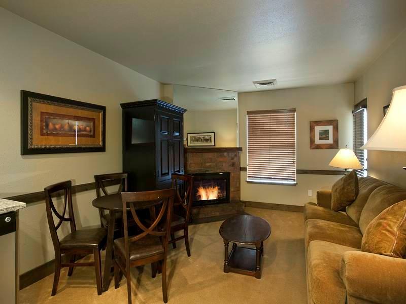 Copperbottom Inn #103 - Image 1 - Park City - rentals