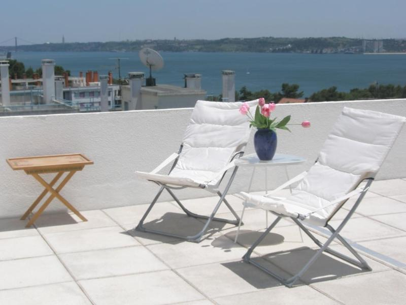 Terrace 200m2, with great views - COZY, GREAT SEA VIEWS, NEAR BEACH,10KM FROM LISBON - Oeiras - rentals