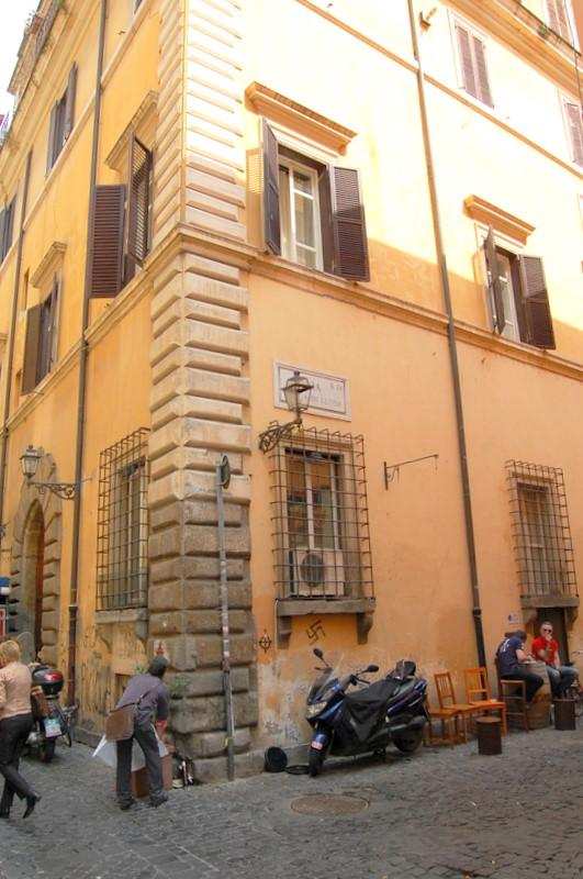 Vittoria Enchanting Apartment - Image 1 - Rome - rentals