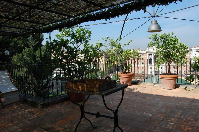 Villa Fortuny Cesare Apartment - Image 1 - Rome - rentals