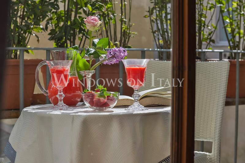 Holiday Rental at Maggio Frescoes in Florence, Tuscany - Image 1 - Florence - rentals