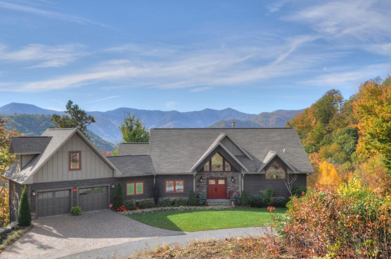 Front Elevation in Mid October - Spacious 5/4 Luxury Home -Great Views-Easy Access - Maggie Valley - rentals