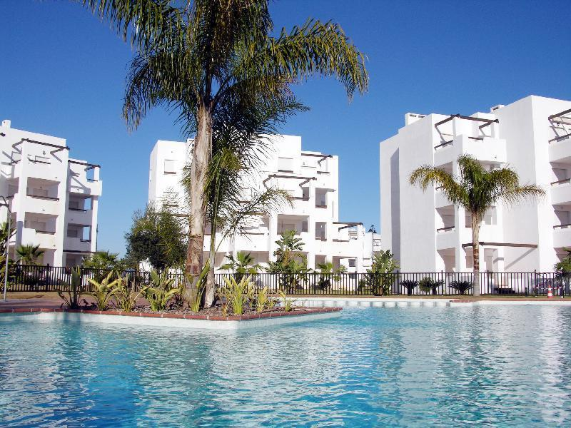 Modern Apartment - Pool View - Communal Pool - Gated Resort - 2008 - Image 1 - Roldan - rentals