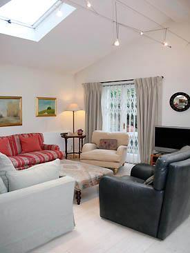 Comfortable Modern London Apartment Near Notting Hill - Image 1 - London - rentals