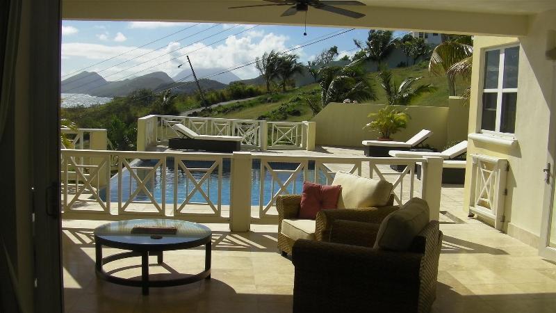 Indoor/Outdoor living at its best - Fantastic Hillside Villa in Half Moon Bay St Kitts - Basseterre - rentals