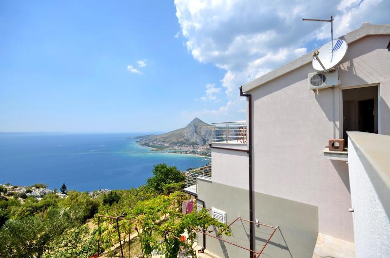 Pikolo Apartments - Green studio - Image 1 - Omis - rentals