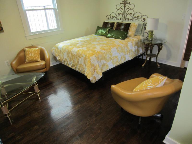 Judy Garland Bedroom - Judy Garland designer apartment, Asbury Park, NJ - Asbury Park - rentals