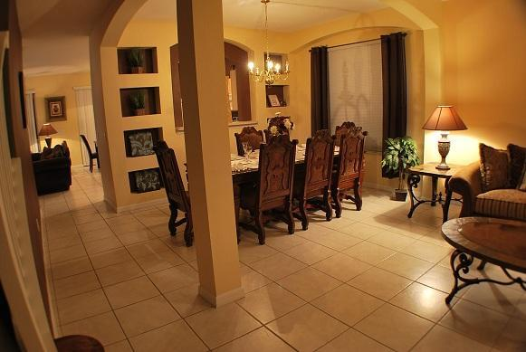 Living room - 8 bedrooms/5.5 baths/pool/spa/resort/mins disney - Orlando - rentals