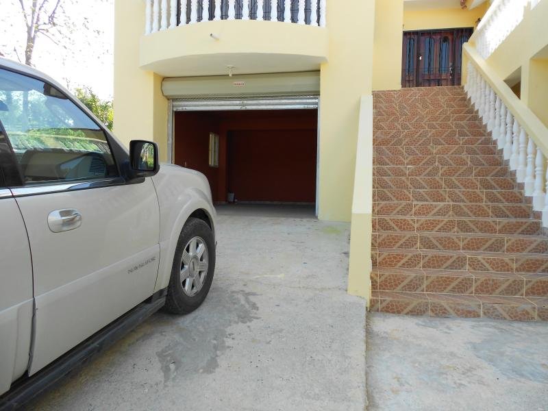 Private 3 bedroom villa close to town yet private - Image 1 - Sosua - rentals