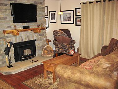 Living Room - Bigwood - BW009 - Mammoth Lakes - rentals