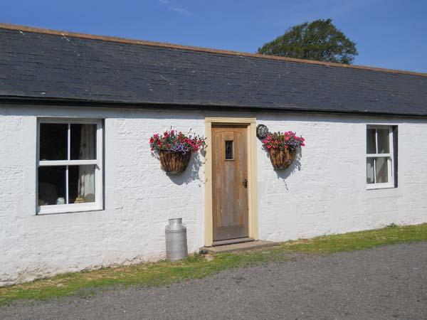 DABBINS COTTAGE, charming property, woodburner, parking, on farm, close to Ruthwell, Ref 20803 - Image 1 - Ruthwell - rentals