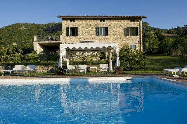 Private Villa with pool, 8 sleeps, Le Marche - Image 1 - Smerillo - rentals
