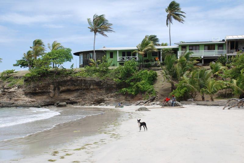 Cabier Ocean Lodge and Cabier Beach - Cabier Ocean Lodge - Beach Front - Crochu - rentals