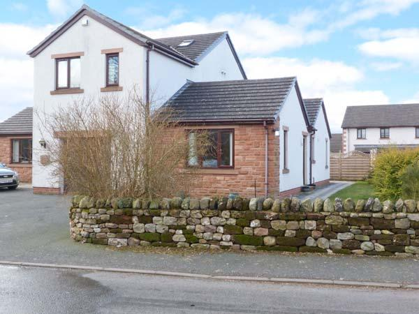 ELM TREE COTTAGE, single-storey cottage, romantic retreat, countryside location, in Long Marton, Ref. 18553 - Image 1 - Appleby In Westmorland - rentals