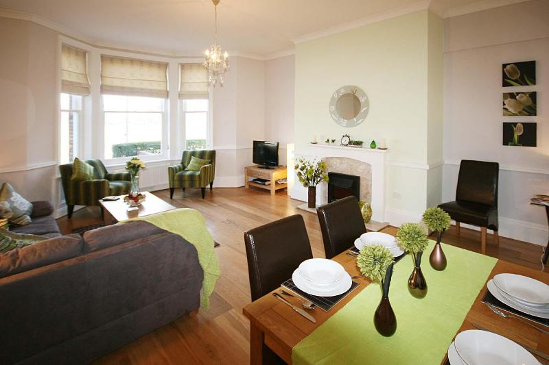 Lounge - Luxury 2 Bedroomed Apartment in York City Centre - York - rentals