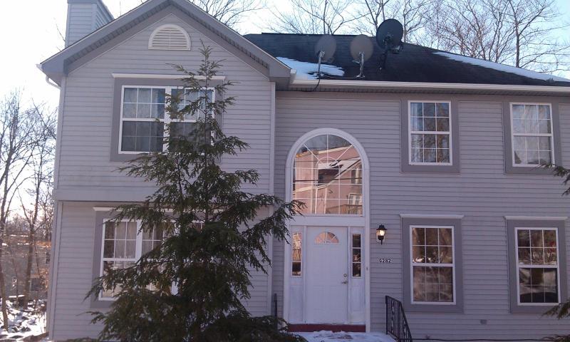 House Front - Beautiful 4 BR Pocono Home Near Camelback & Casino - Tobyhanna - rentals