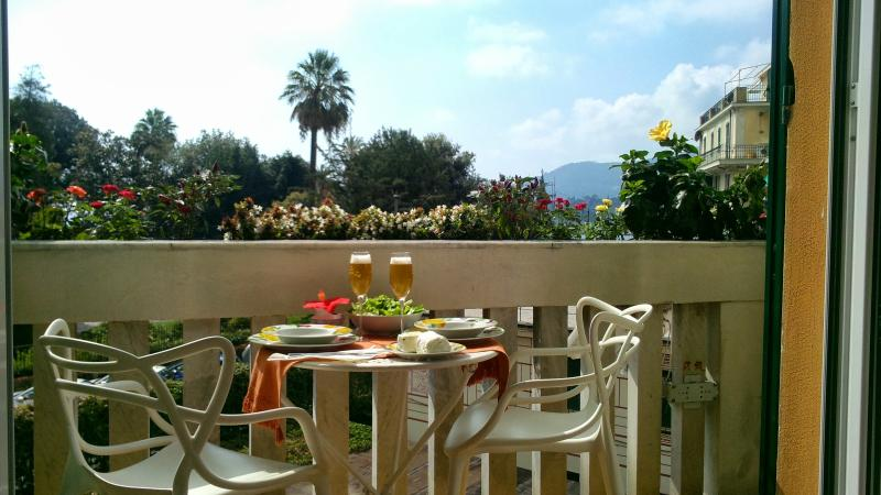Meal for two on the balcony - CasaMaTi - Refined apartment next to seaside/center - Rapallo - rentals