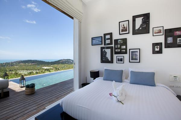 Master bedroom opening onto the pool deck - Villa Belle, a 3 bedroom designer villa - Koh Samui - rentals