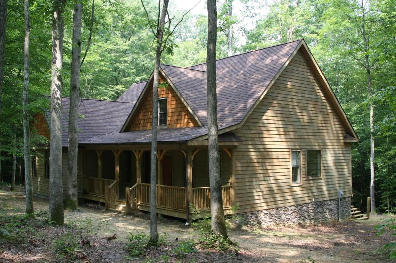 front view - The Redstar - Fayetteville - rentals
