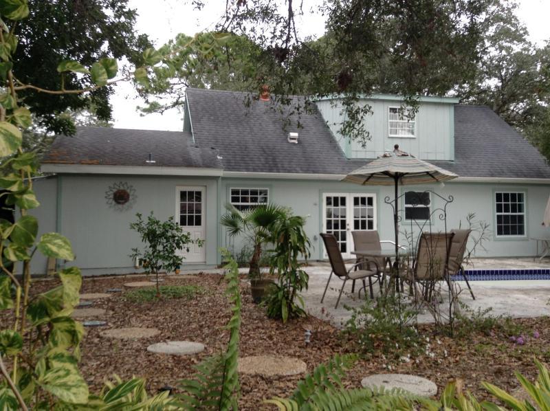 4 Bedroom Cottage Nestled in the Heart of Sarasota - Image 1 - Sarasota - rentals