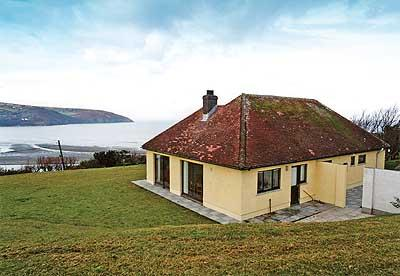 Holiday Cottage - Bron Deg, Gwbert on Sea - Image 1 - Pembrokeshire - rentals