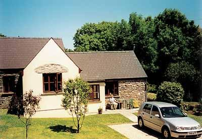 Holiday Cottage - Apple Tree Cottage, Trefin - Image 1 - Trefin - rentals