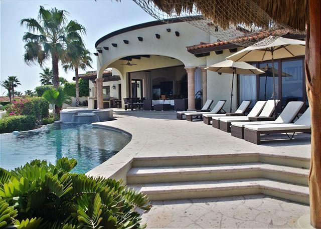 Villa Pericu, a stunning 5 bdrms Southern-California style Villa - Image 1 - Cabo San Lucas - rentals