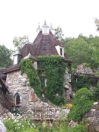 Castle's south face - Wings Castle Bed and Breakfast - Millbrook - rentals