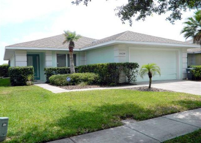 Property Frontage - 4 Bed Luxury Pool Home, Surrounded By 2 Lakes, A Beautiful Getaway (AV8420RS) - Kissimmee - rentals