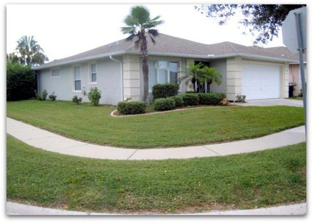 Property Frontage - Beautiful 3 Bed Child Friendly Pool, On Sunset Lakes (AV2900SL) - Kissimmee - rentals