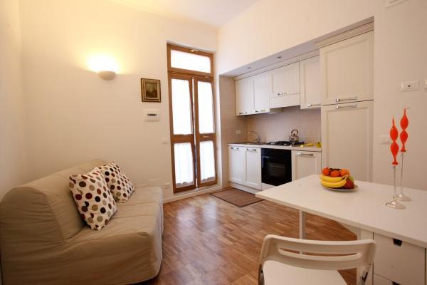 CR655k - Cabot University Gem Apartment - Image 1 - Rome - rentals