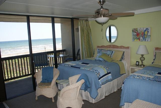 Listen to the surf from your beachside bedroom with 2 queen beds - Beachfront  2 Bedroom Condo Closest To The Beach - Port Aransas - rentals