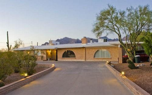 Four bedroom Four bathroom home with a pool - Image 1 - Tucson - rentals