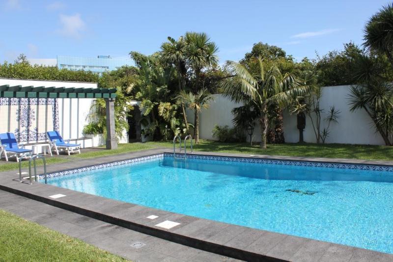 Swimming-pool - Casa das Clívias - House in Ponta Delgada - Ponta Delgada - rentals