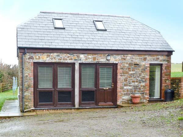 DOWNICARY CHAPEL STABLE, pet-friendly, woodburner, Launceston Ref 21860 - Image 1 - Launceston - rentals