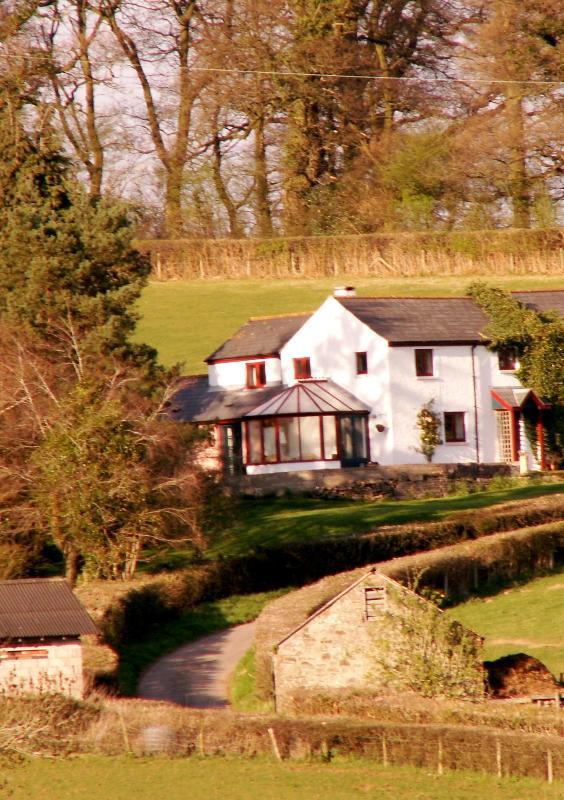 Drws Nesa as you approach - DRWS NESA at the Cyder House Farm. - Usk - rentals