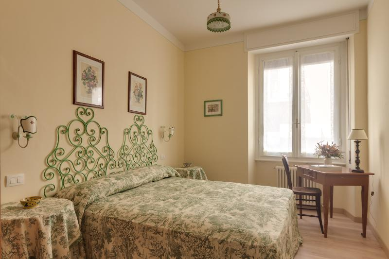 Florence, recently renovated, 2 bedrooms, 2 bathr - Image 1 - Florence - rentals