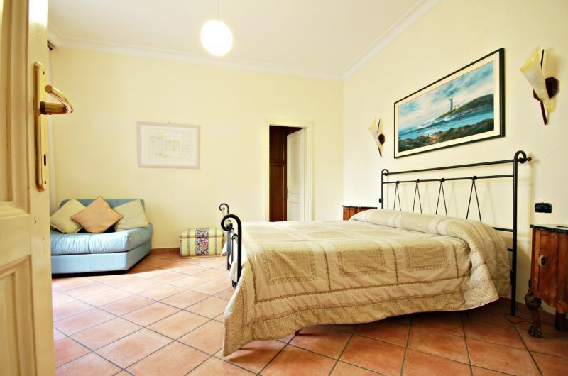Rome, Via Veneto area, 2 BR, 2 BA, sleeps 7 - Image 1 - Rome - rentals