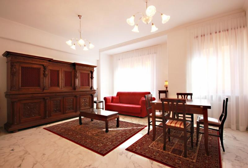 Rome, finely renovated with Jacuzzi, terrace,wifi - Image 1 - Rome - rentals
