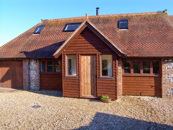 THE OLD SCHOOL COTTAGE, woodburner, off road parking, shared garden, in Dorchester, Ref 20691 - Image 1 - Dorchester - rentals