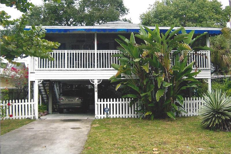 Front of House - Beauty & the Beach, Private Designer, Beautiful - Indian Rocks Beach - rentals