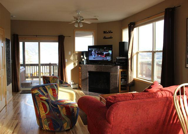 MR76 Excellent Townhouse w/Fireplace, Wifi, Private Hot Tub, Garage - Image 1 - Silverthorne - rentals
