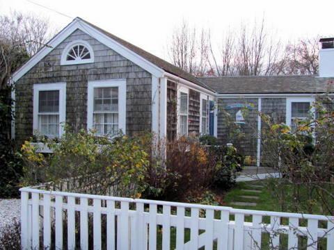 1 Bedroom 1 Bathroom Vacation Rental in Nantucket that sleeps 3 -(10346) - Image 1 - Nantucket - rentals