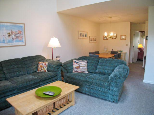 Living/Dining Area - Ocean Edge Townhouse (sleeps 6) with A/C & WiFi - BI0503 - Brewster - rentals