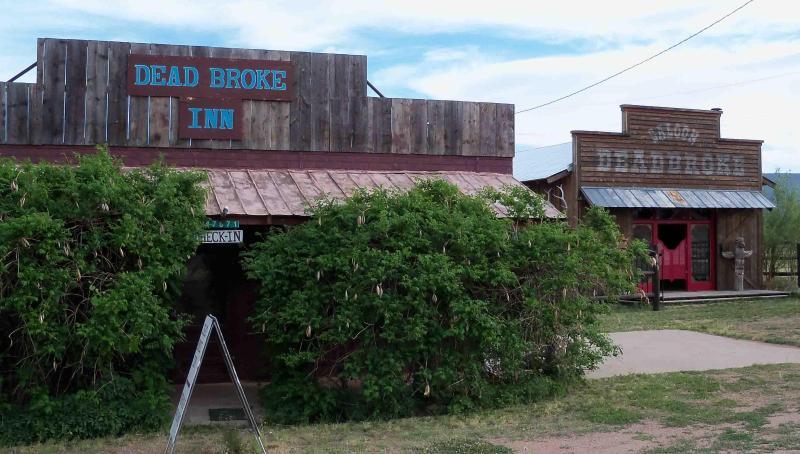 DeadBroke Inn - WESTERN THEME VACATION / GETAWAY - Payson - rentals