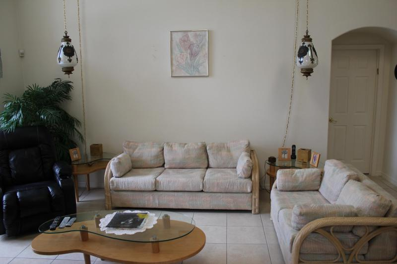 Living Room - Pet-Friendly 4 Bedroom Villa with an Outdoor Pool on Santee Drive - Kissimmee - rentals