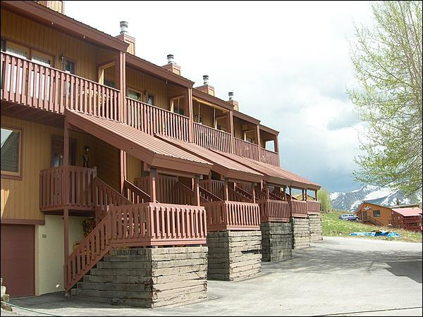 Fantastic Vacation Townhome - Value-Priced Accommodations - West Elk Mountain Range Views (1358) - Crested Butte - rentals