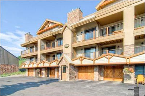 Paradise Condominiums - Spacious & Welcoming Vacation Condo - Located by the Peachtree and T-Bar Lifts (1361) - Crested Butte - rentals